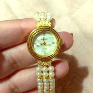 Watch with pearls